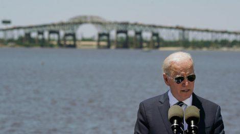 Biden promete 'reconstruir mejor'.  Algunos expertos en clima ven problemas.