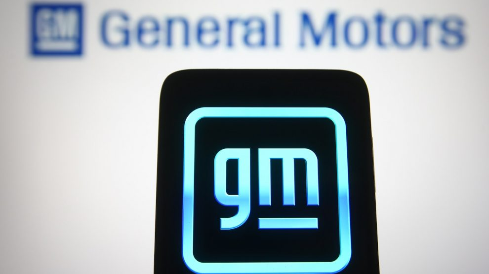 GM destaca fuertes ganancias en el primer trimestre y el próximo Chevy Silverado EV