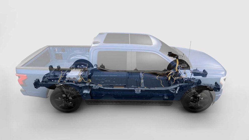 La tecnología de baterías de la Ford F-150 Lightning 2022 utiliza metales menos raros