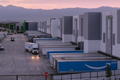 Los mega almacenes de comercio electrónico, una fuente de contaminación, se enfrentan a una nueva regla de contaminación