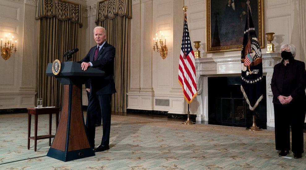 Prepárese para las crisis financieras causadas por el cambio climático, dice Biden a las autoridades