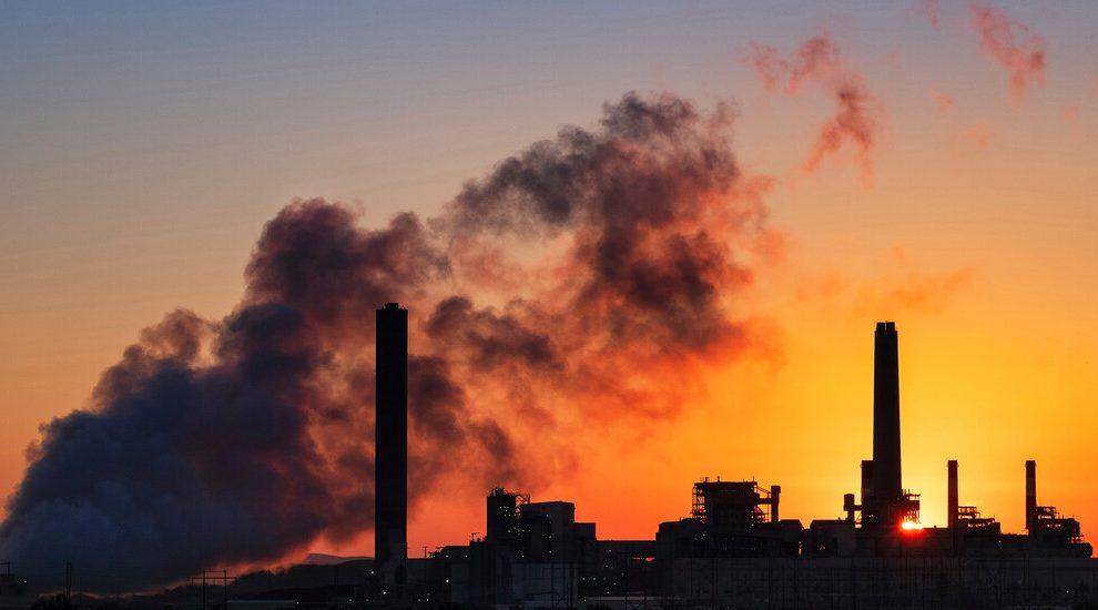 La EPA revisará las reglas sobre el hollín relacionado con las muertes, que Trump se negó a endurecer