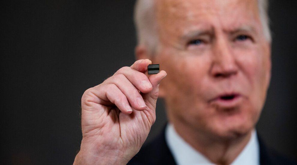 La administración de Biden toma medidas para solucionar los cuellos de botella de la cadena de suministro