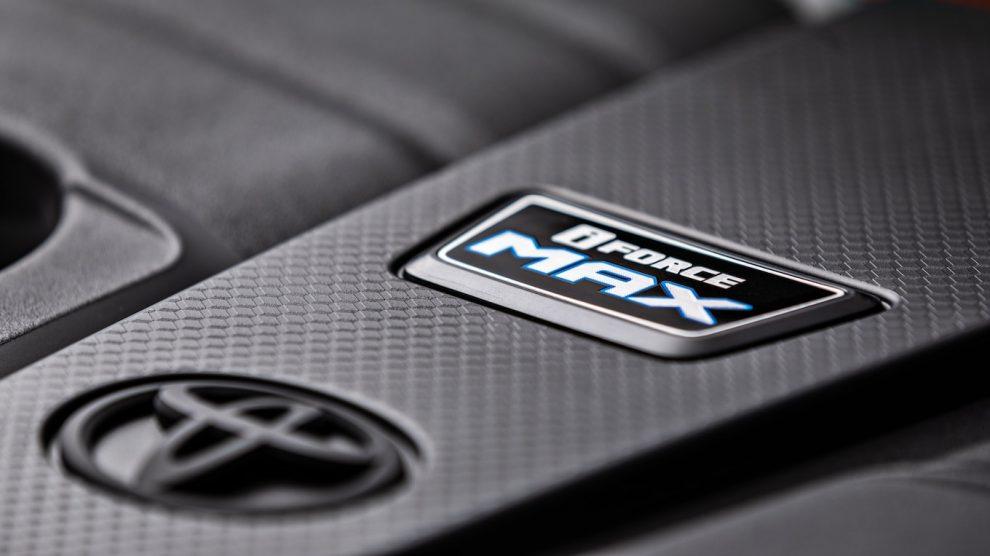 Toyota se burla del nuevo motor iForce Max de la Tundra 2022