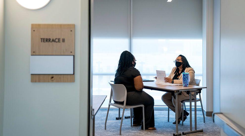 ¿Quién discrimina a la hora de contratar?  Un nuevo estudio podría decir.