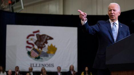 Biden insiste en que puede hacer más con menos en la economía