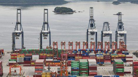 China reporta fuertes cifras de exportación a pesar de los retrasos en los envíos.