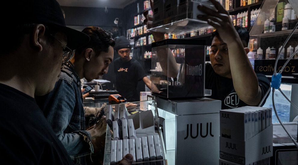 Juul está luchando por mantener sus cigarrillos electrónicos en el mercado estadounidense