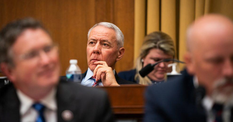 Legisladores republicanos cuestionan las conexiones de Amazon en el contrato del Pentágono