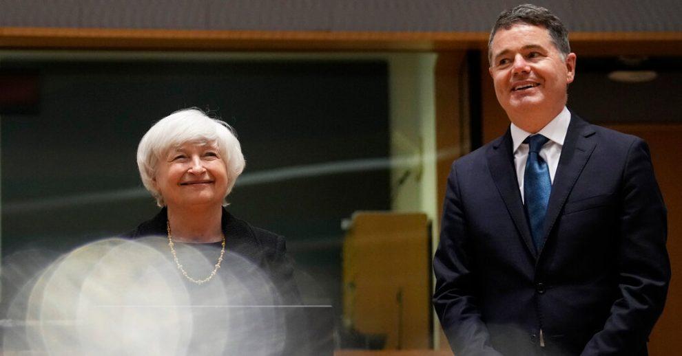 Yellen aboga por que Irlanda se una al acuerdo fiscal global