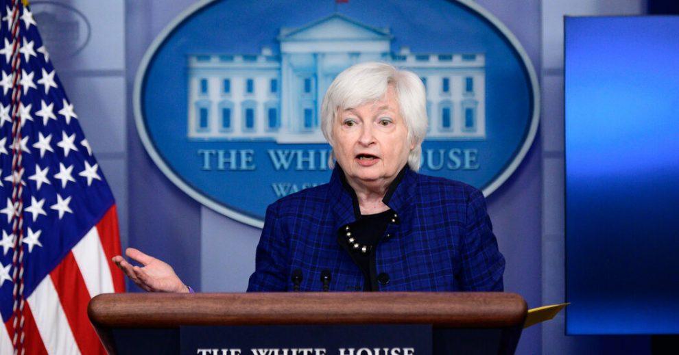 Yellen dice que el acuerdo comercial con China 'perjudicó a los consumidores estadounidenses'