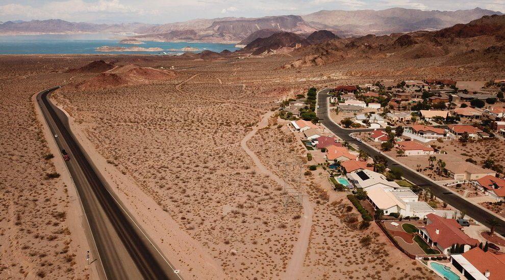 Al principio, EE. UU. Declara escasez en el río Colorado, lo que obliga a cortes de agua