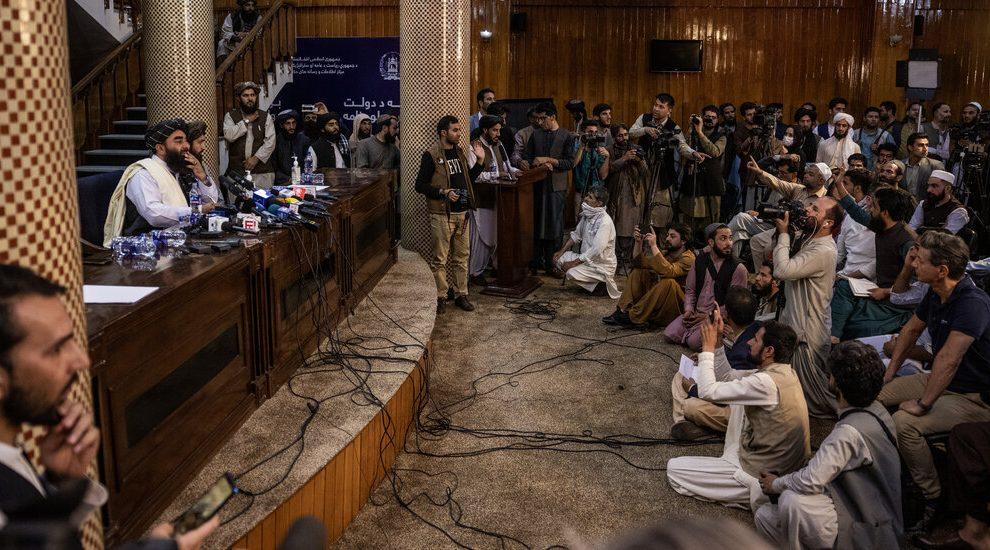 Los talibanes se levantan en las redes sociales, desafiando las prohibiciones de las plataformas