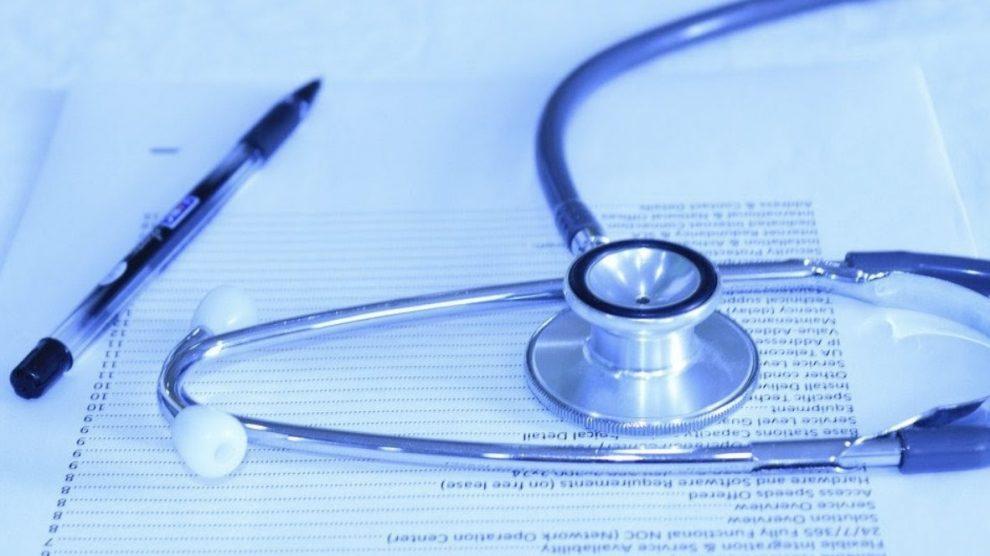 contratar un seguro de salud