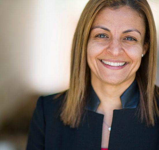 Maryana Iskander, la próxima líder de Wikipedia, sobre la prevención de la desinformación