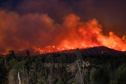 PG&E enfrenta cargos criminales en California 2020 Deadly Fire