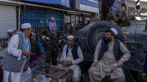 Por qué los talibanes necesitan desesperadamente dinero para gobernar Afganistán