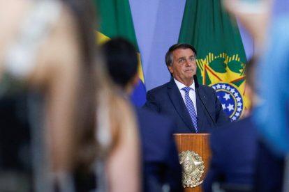 Prohibición de Bolsonaro de eliminar publicaciones en redes sociales revocada en Brasil