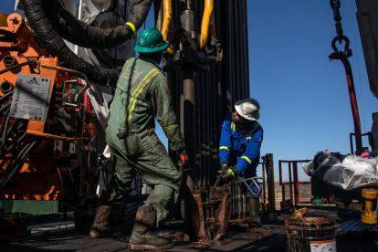 Royal Dutch Shell vende participaciones de petróleo en la cuenca del Pérmico por $ 9.5 mil millones