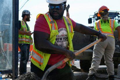 Washington redactará inicialmente reglas sobre los peligros del calor en el lugar de trabajo.